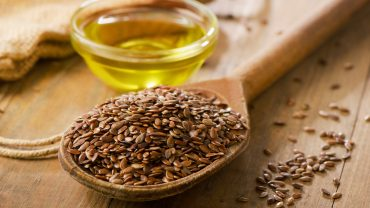 11 Impressive Health Benefits of Flaxseed Oil