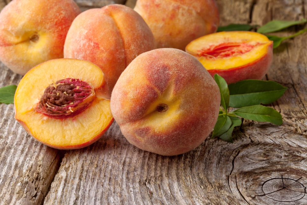 11 Amazing Health Benefits of Peach