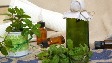 11 Effective Essential Oils For Nausea