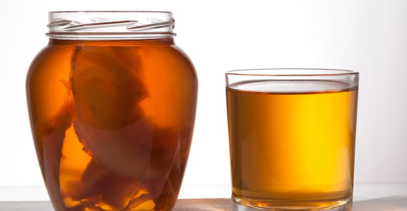 13 Benefits of Drinking Kombucha Every Day