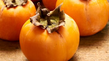 11 Amazing Health Benefits of Persimmons