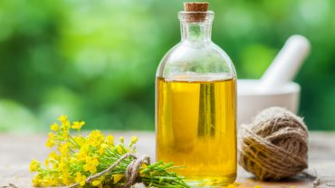9 Impressive Health Benefits of Rapeseed Oil