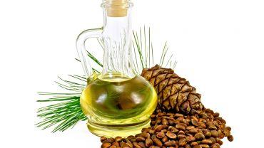 12 Amazing Benefits of Cedarwood Essential Oil