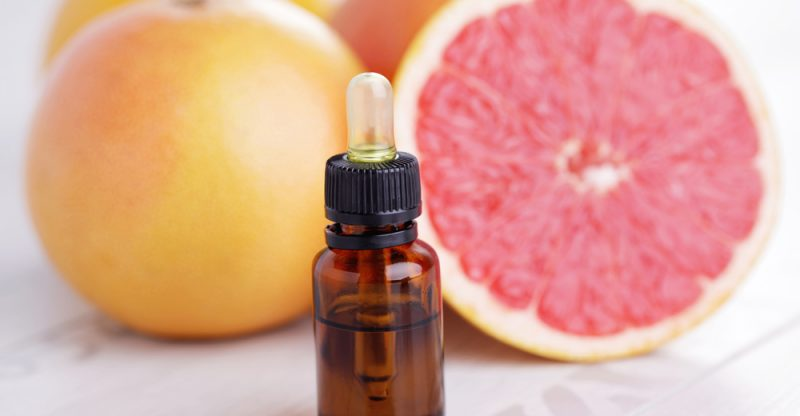 11 Amazing Benefits of Grapefruit Essential Oil