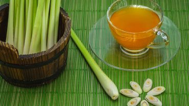 11 Amazing Benefits of Lemongrass Tea