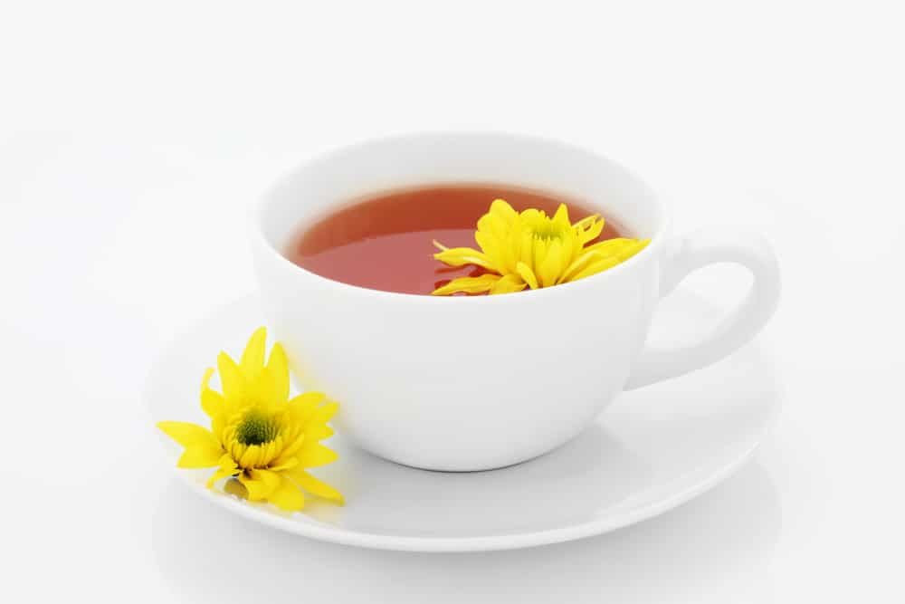 10 Amazing Health Benefits of Chrysanthemum Tea