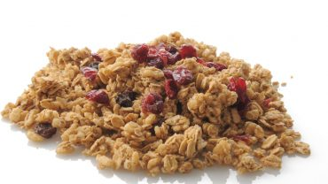 13 Amazing Health Benefits of Granola