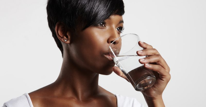 13 Impressive Health Benefits of Drinking Water