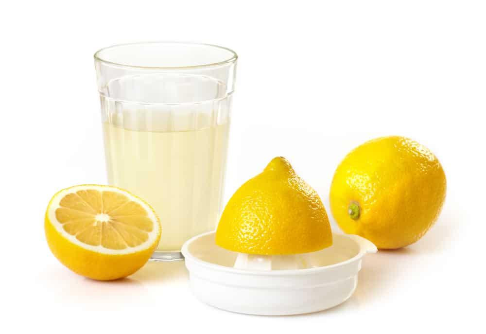 15 Amazing Health Benefits of Lemon Juice