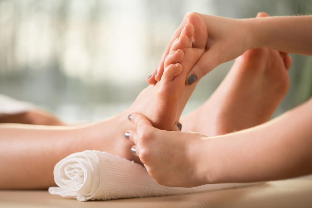 13 Health Benefits of Foot Massage and Reflexology