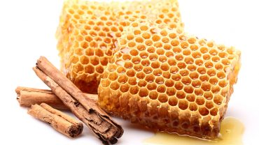 12 Impressive Benefits of Honey and Cinnamon