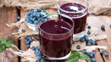 11 Incredible Benefits of Blueberry Juice