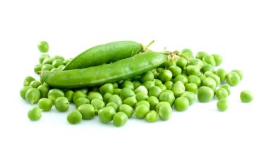 11 Amazing Health Benefits of Green Peas