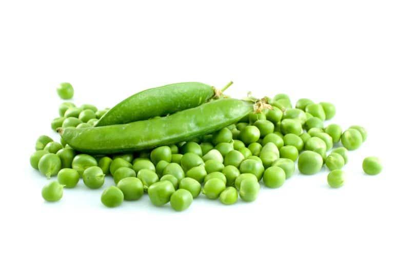 11 Amazing Health Benefits of Green Peas
