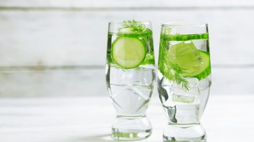 11 Amazing Benefits of Cucumber Water
