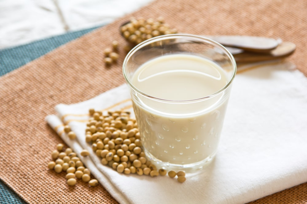 9 Amazing Health Benefits of Soy milk