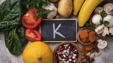 10 Signs and Symptoms of Potassium Deficiency (Hypokalemia)