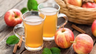 11 Amazing Benefits of Apple Juice