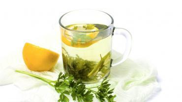 10 Amazing Benefits of Parsley Tea