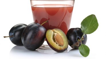 11 Amazing Benefits of Plum Juice