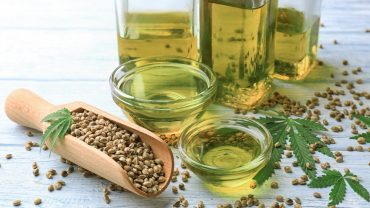 15 Amazing Benefits of Hemp Oil
