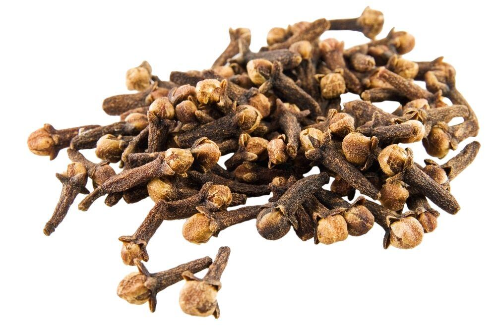 12 Amazing Benefits of Clove Tea