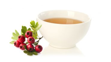10 Amazing Benefits of Hawthorn Tea